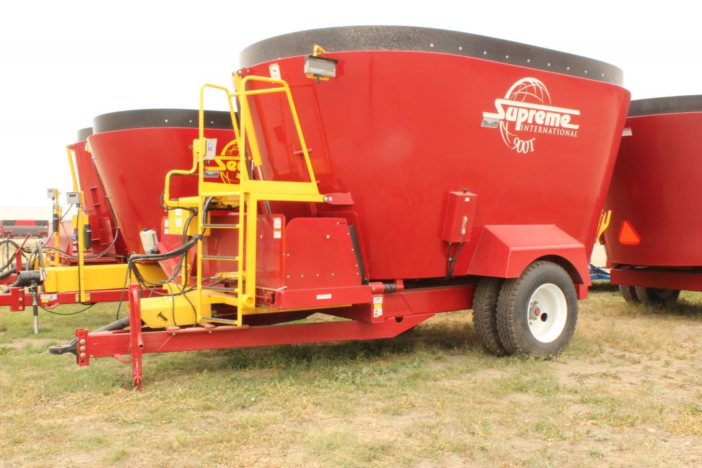 Twin Auger Pull Type Feed Processor