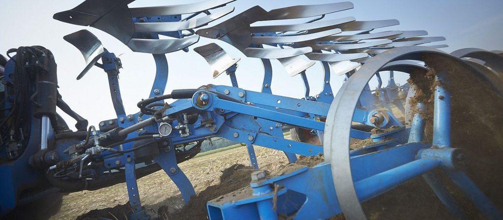 Lemken Juwel plough sold and serviced at Hanlon Ag Centre in Lethbridge, Alberta. Reversible plough with turn control.