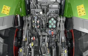 Example of the Fendt hydraulic system found on Fendt 1000 series tractors. Models: Fendt 1038, Fendt 1042, Fendt 1046, and Fendt 1050 tractors. Rear of Fendt 1000 Series tractor.