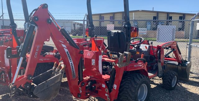 Massey Ferguson Compact Tractor, Tractor Loader Backhoe, Pre-owned utility tractor for sale, MF GC1720 TLB, Used Compact tractor for sale